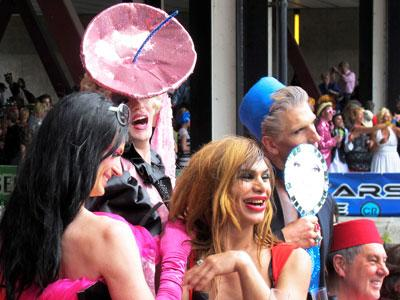 pubId=29906170001; Raw Video: Amsterdam hosts gay pride festival 08/05/2012 ...