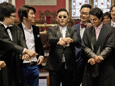 Psy brings 'Gangnam Style' to Oxford