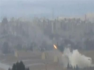 Artillery, air attacks and flames in Syria fight