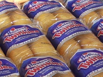 Illinois restaurant gives away 10,000 Twinkies