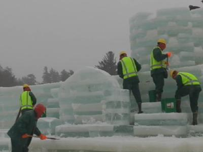 Inmates on ice: Crews help build ice palace
