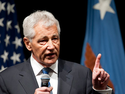 Hagel takes helm at Pentagon after bitter fight
