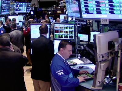 Despite Dow record, 'disconnect' from economy