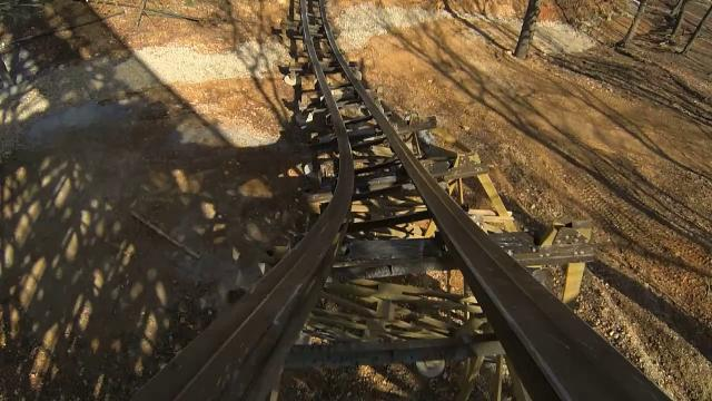 Outlaw Run brings new twist to wood roller coasters