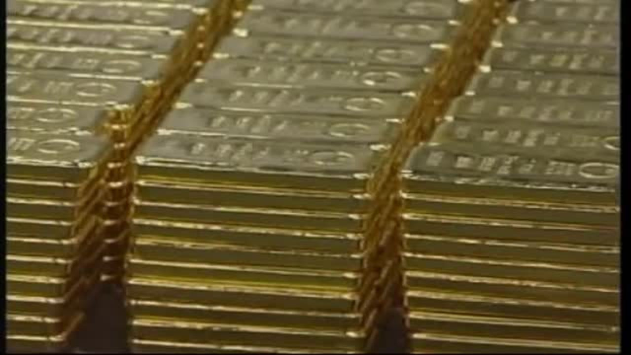 Gold's biggest drop in 30 years