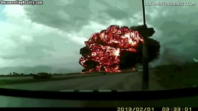 747 crashes, explodes on tape | USA NOW video