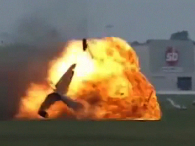 Raw: Deadly crash at Ohio air show