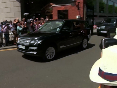 Raw: Royals leave palace with newborn prince