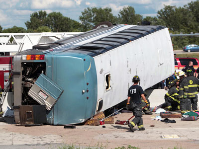 3 dead, dozens hurt in Indiana bus crash