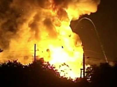 Explosions rock Fla. gas plant, workers missing