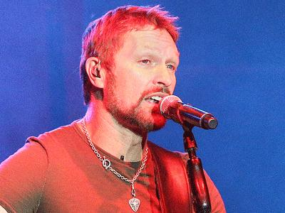 Craig Morgan blends the old with the new
