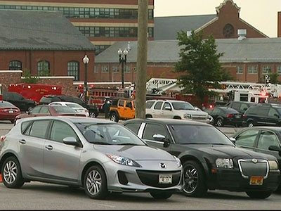 Police respond to reported shooter at Navy Yard