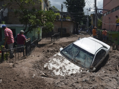 Flood-stricken towns in Mexico waiting for aid