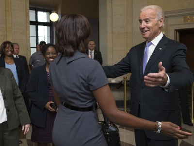 Biden, White House welcome federal workers