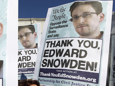 Protesters tell U.S. government to stop snooping