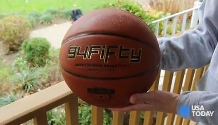 Baig: Shooting hoops with the Bluetooth 94Fifty basketball