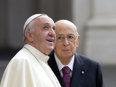 Pope's light security fuels concerns