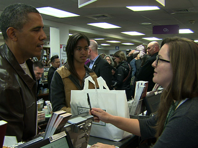 Raw: Obama shops at independent bookstore