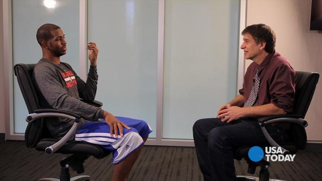 Clippers' Chris Paul keeps up with basketball on tech