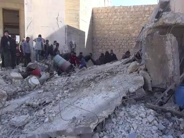 Syrian army barrel bombs claim more lives in Aleppo