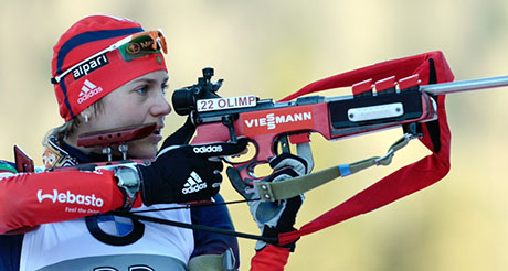 Nets owner drives Russia toward biathlon gold