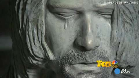 Kurt Cobain statue unveiled in singer's hometown
