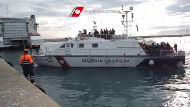 Hundreds rescued off Italian coast