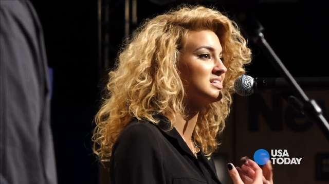 "Post ""Idol"" Tori Kelly finds fame online"