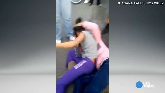 Mom arrested after encouraging daughter to fight