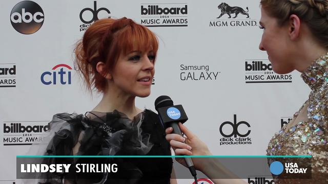 Celebs talk MJ, J.Lo and Britney on the Billboard red carpet