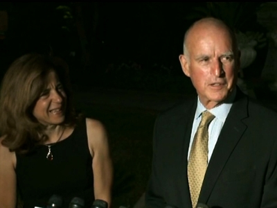 Gov. Jerry Brown advances in CA governors race