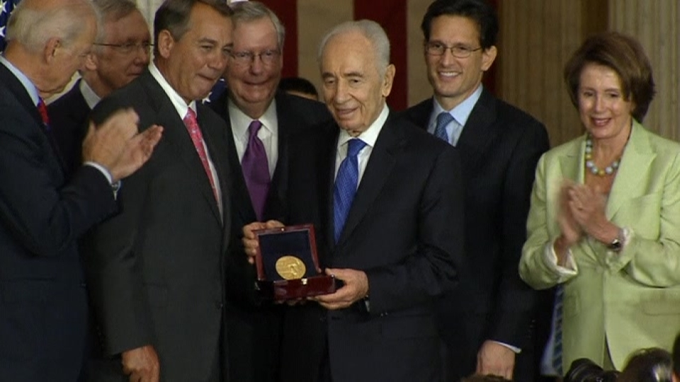 Israel's peres receives congressional gold medal