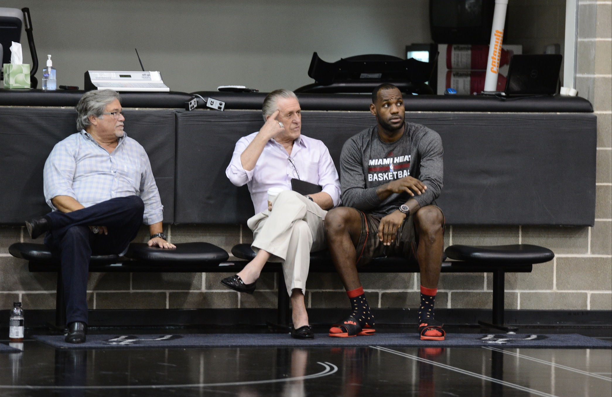 LeBron James, agent to meet with Heat's