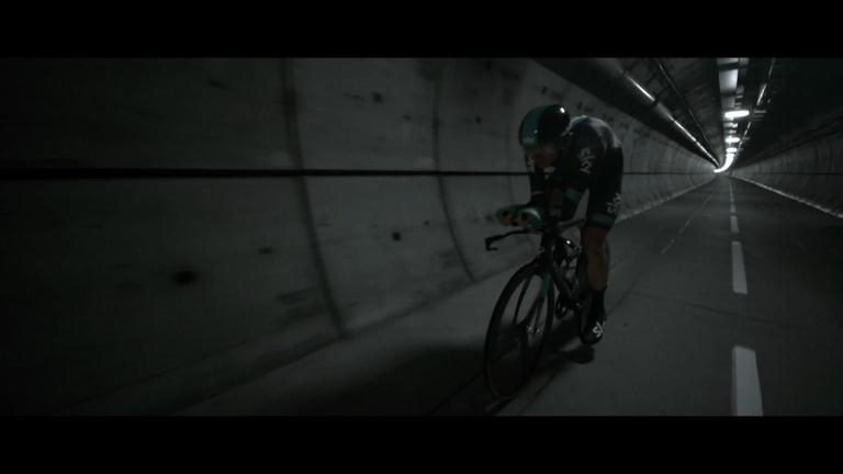 Froome first to cycle under the sea from UK to France