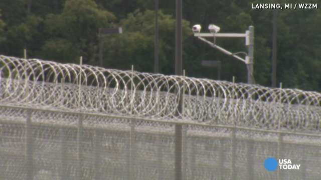 Prison workers accused of sexual contact with inma...
