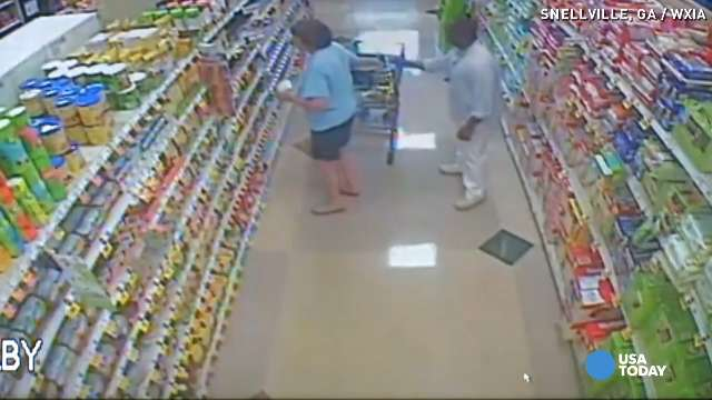 Bold thief snatches wallet behind shopper's back