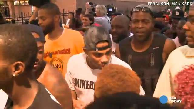 Nelly joins protesters in Ferguson, Missouri | USA NOW
