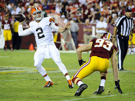 Browns not ready to pick between Manziel, Hoyer