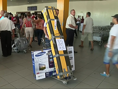Cuba limits goods travelers bring into country
