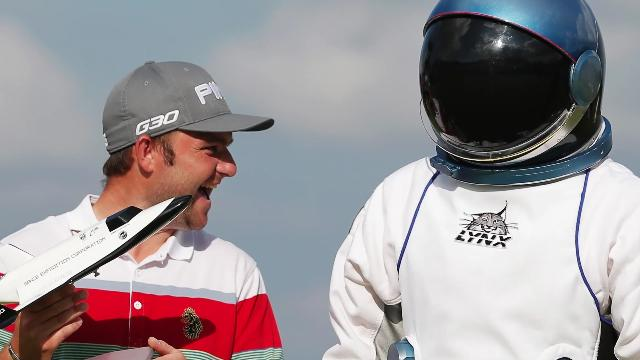 Golfer wins trip into space after sinking hole-in-one