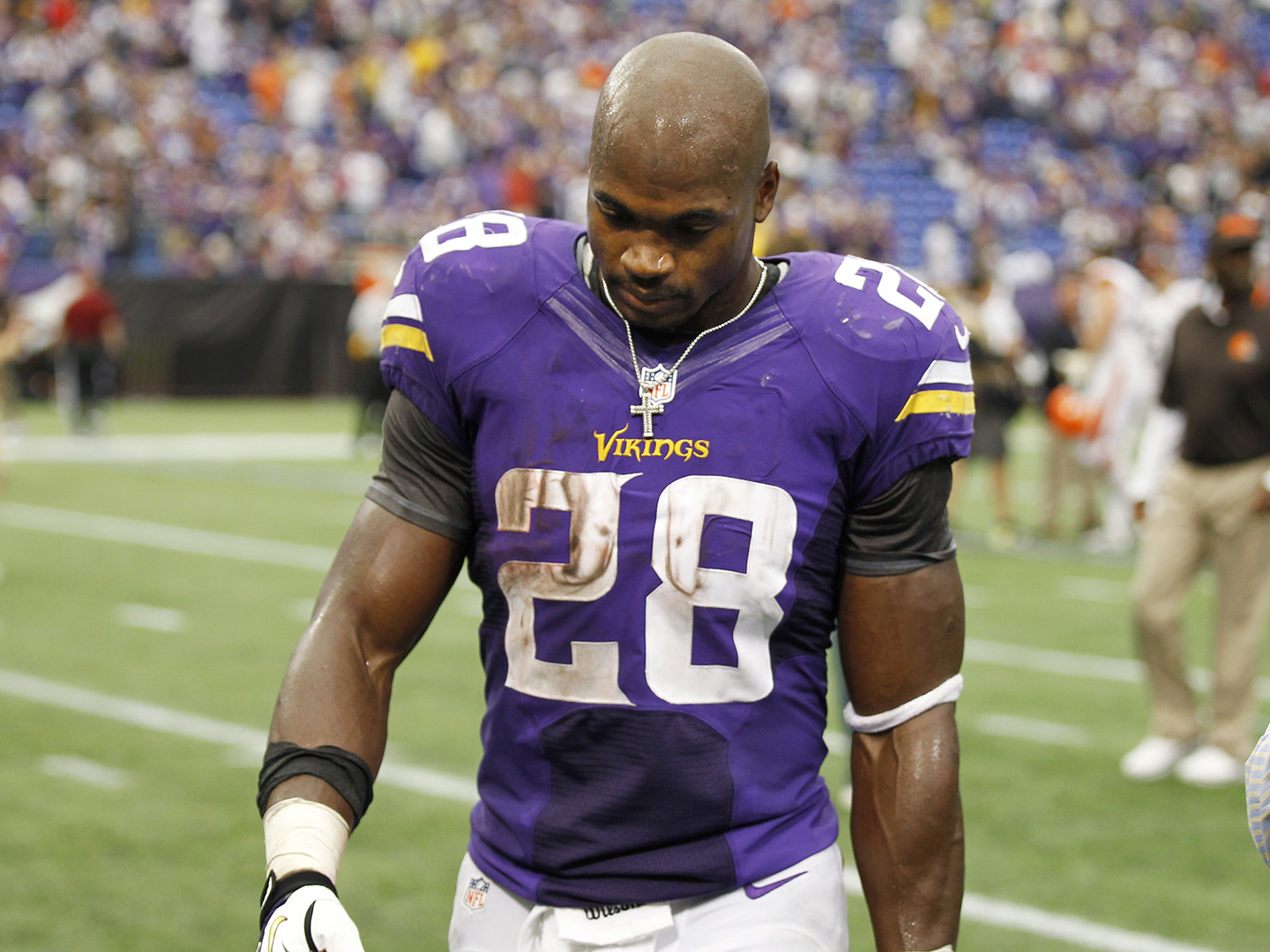 Vikings deactivate Adrian Peterson indefinitely