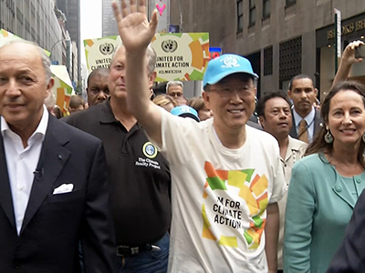 Thousands march in NYC over climate change