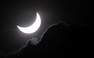 Photographing Thursday's partial solar eclipse