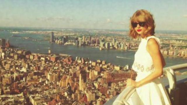 Taylor Swift releases 8-Seconds of static And it shoots to #1 on iTunes
