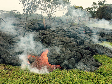 Hawaiians watch as lava creeps toward homes | USA NOW