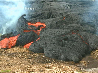 Raw: Hawaii Lava Approaching Village Road