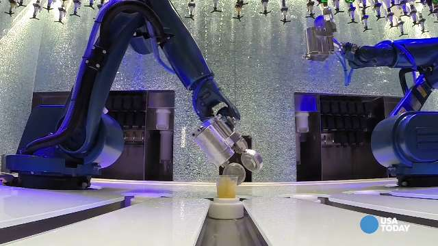 Bionic Bar mixes perfect, precise drinks
