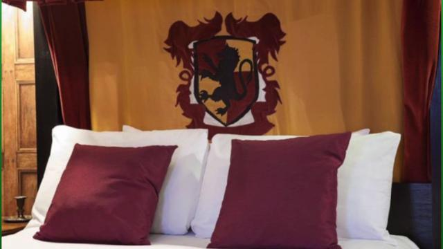 Spend the night in Hogwarts when you stay at the Georgian House Hotel's Wizard Chambers! TC Newman (@PurpleTCNewman) has pictures of the suites that have Harry Potter fans so excited! Video provided by Buzz60