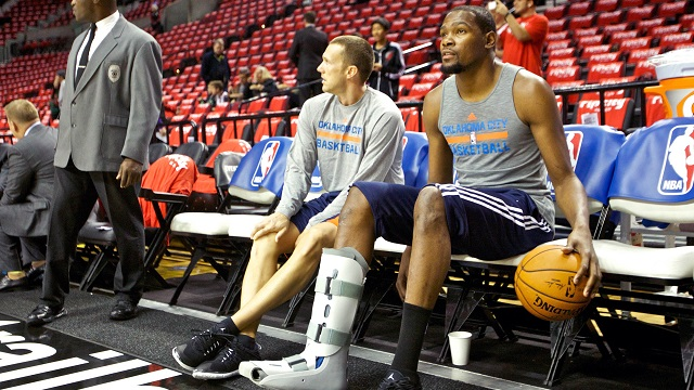 USA TODAY Sports' Sam Amick and Jeff Zillgitt discuss Kevin Durant, Dwyane Wade and other big names on the NBA's injury lists.
