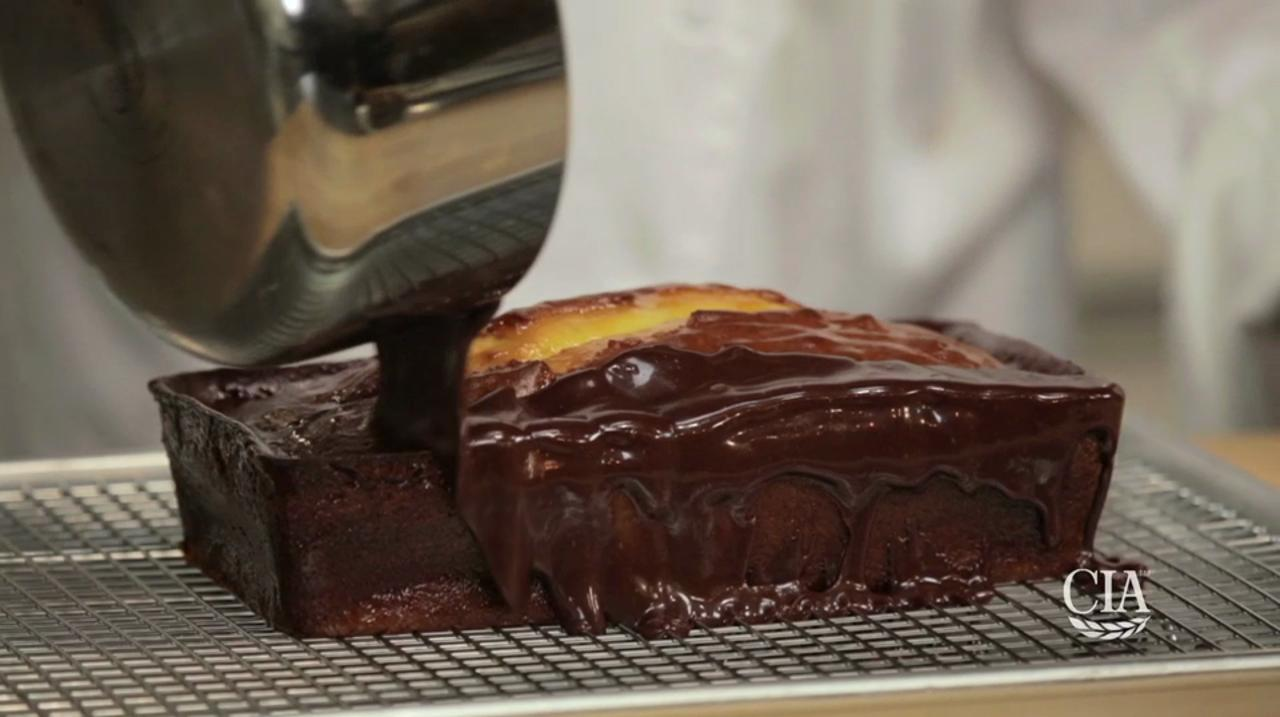 The Culinary Institute of America: Glaze cakes-cookies